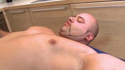 bears  bodybuilder  cock sucking