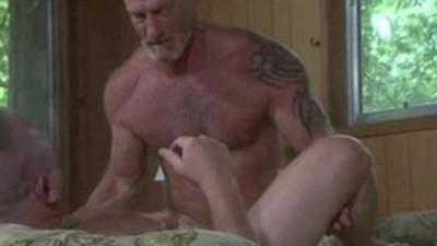 bears  bodybuilder  gay sex